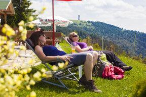 Wanderpause an der Todtnauer Hütte Feldberg ©Hochschwarzwald Tourismus GmbH