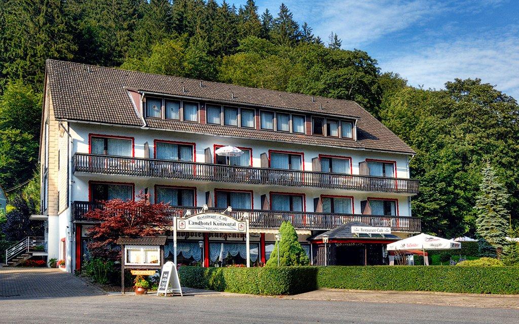 Zorge Landhotel Kunzental aussen Außenansicht