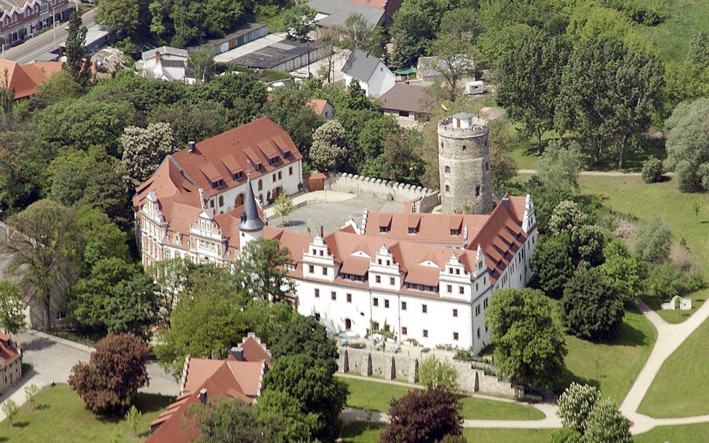 Luftaufnahme vom Schloss Schkopau