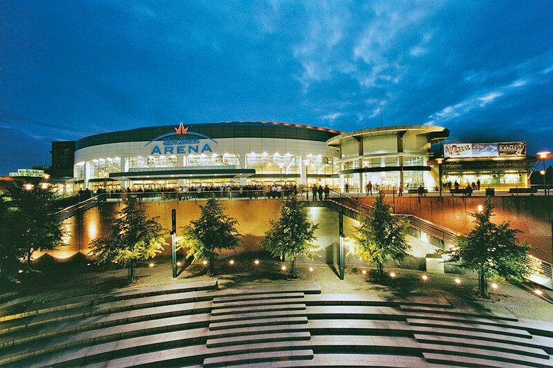 Arena Oberhausen bei Nacht