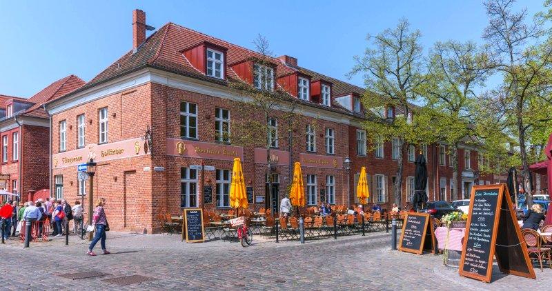 Straßenszene Holländisches Viertel in Potsdam