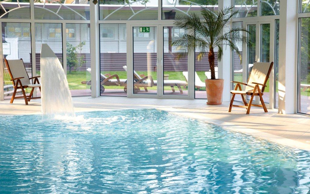 Freudenstadt Wellnesshotel Palmenwald Schwarzwaldhof Pool Hallenbad