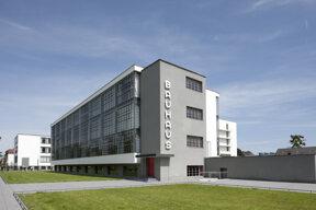 Bauhausgebäude Dessau c Pen Magazine, 2010, Stiftung Bauhaus Dessau Tadashi Okochi