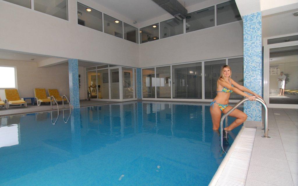 Lovran Hotel Park Pool Hallenbad