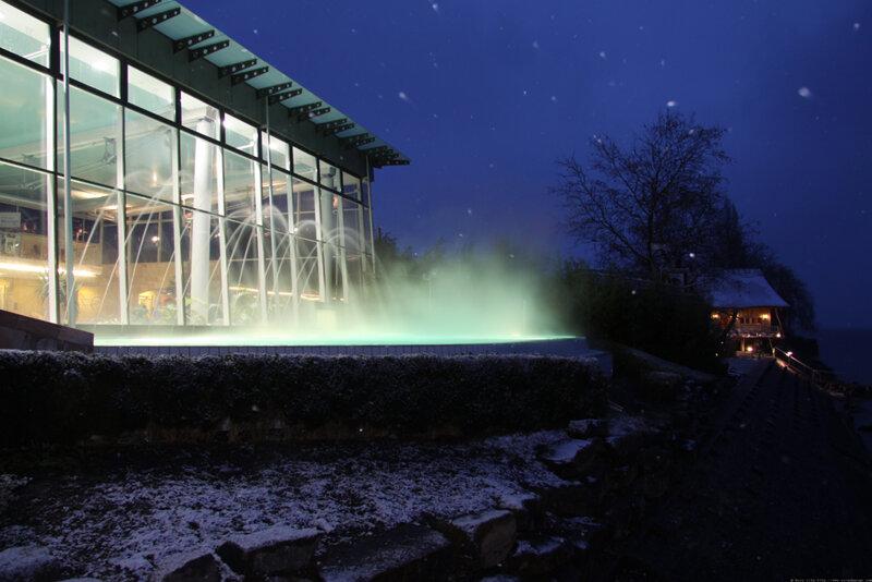 Außenaufnahme bei Nacht Meersburg Therme