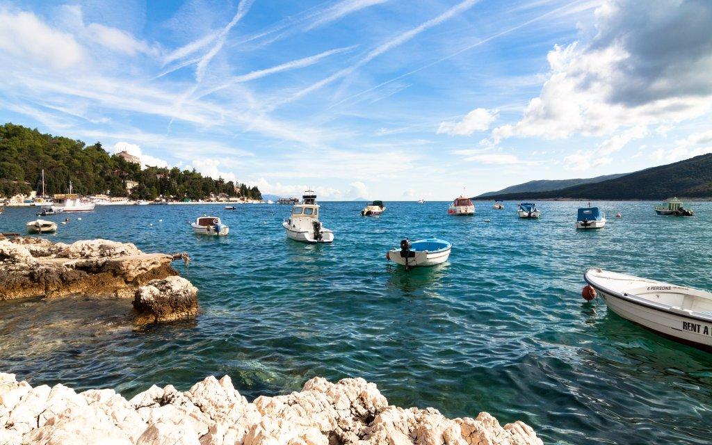 Boote vor der kroatischen Küste