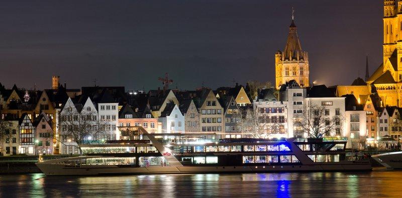 Köln Rhein Schifffahrt Köln bei Nacht Rhein bei Nacht