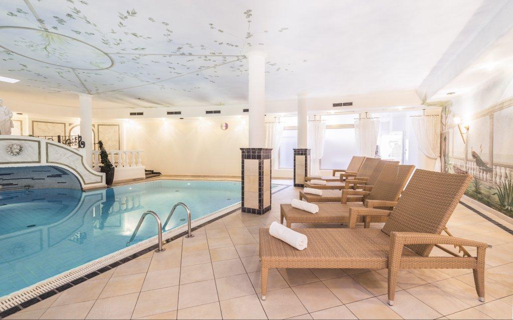 Aktiv- und Wellnesshotel Stubaier Hof Fulpmes Pool