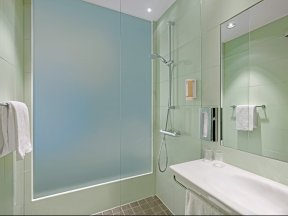 S8 Bathroom