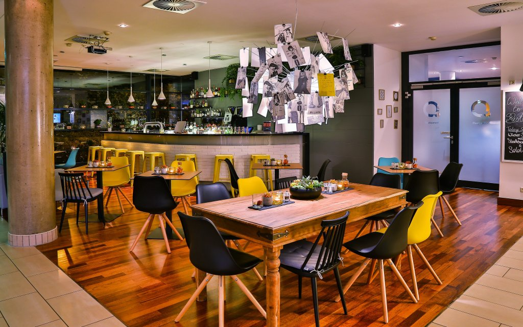 Frankfurt QGREENHotel by Melia Lounge Lobby