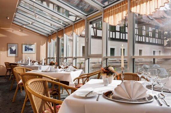 ZWI01-restaurant1.high