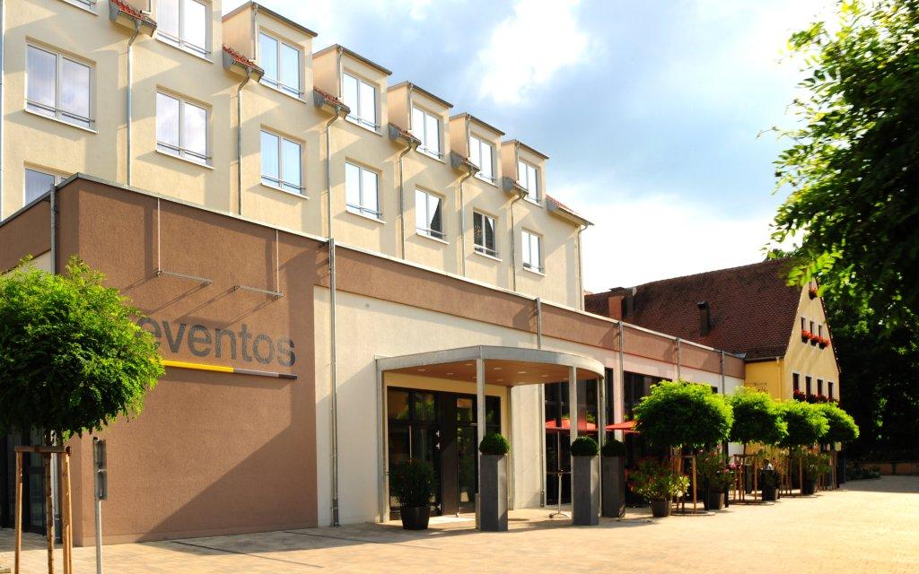 Neuendettelsau Landhotel Sonne aussen Außenansicht