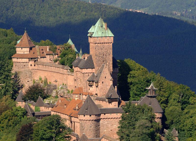 Schloss Hohkönigsburg Chateau du Haut-Koenigsbourg im Elsass in Frankreich