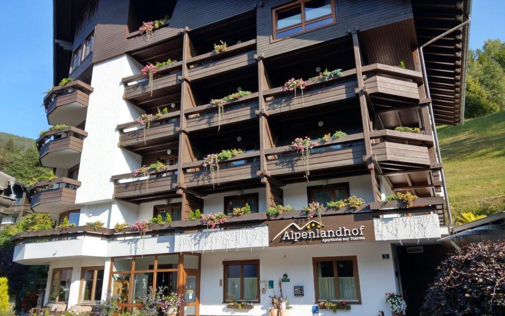 Alpenlandhof - Aparthotel zur Therme Bad Kleinkircheim aussen Außenansicht