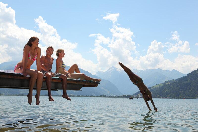 Sprung in den See
