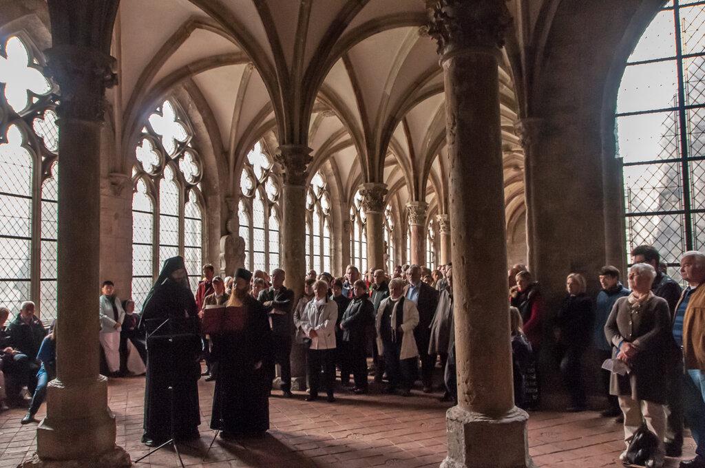 Walkenrieder Lesegang während des Klostermarkts Mönche aus dem Deuschen Orthodoxen Dreifaltigkeitskloster c ZisterzienserMuseum Kloster Walkenried