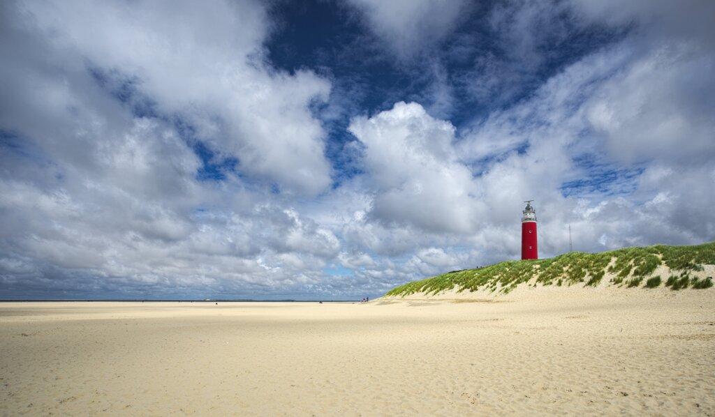 Texel mit Strand und Leuchtturm