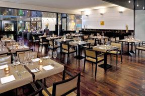 207InnsideDusseldorfSeestern-Dado Restaurant