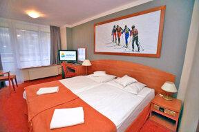 Zimmer Malachit Doppelbett
