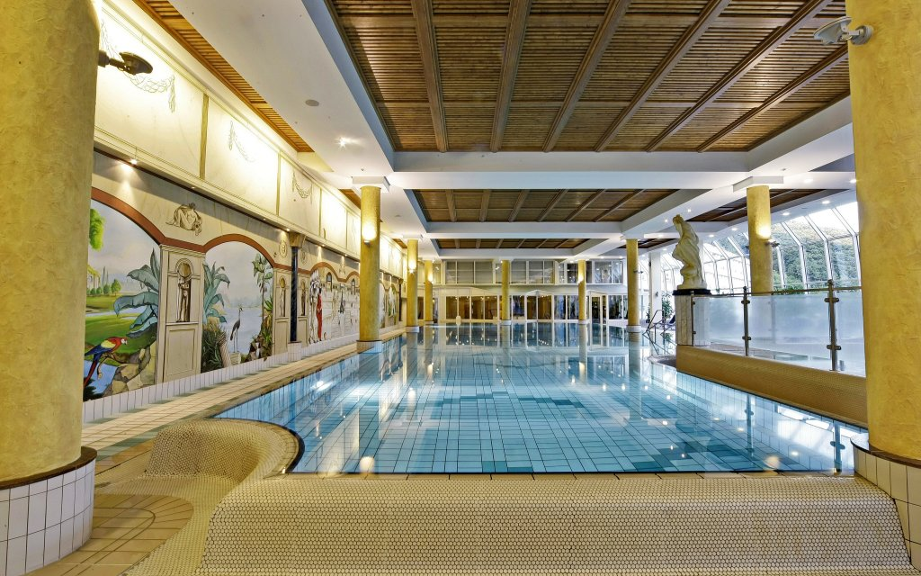 Biersdorf am See Dorit Seehotel & Resort Bitburg Südeifel Pool Hallenbad