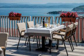 Blick von der Terrasse Tisch