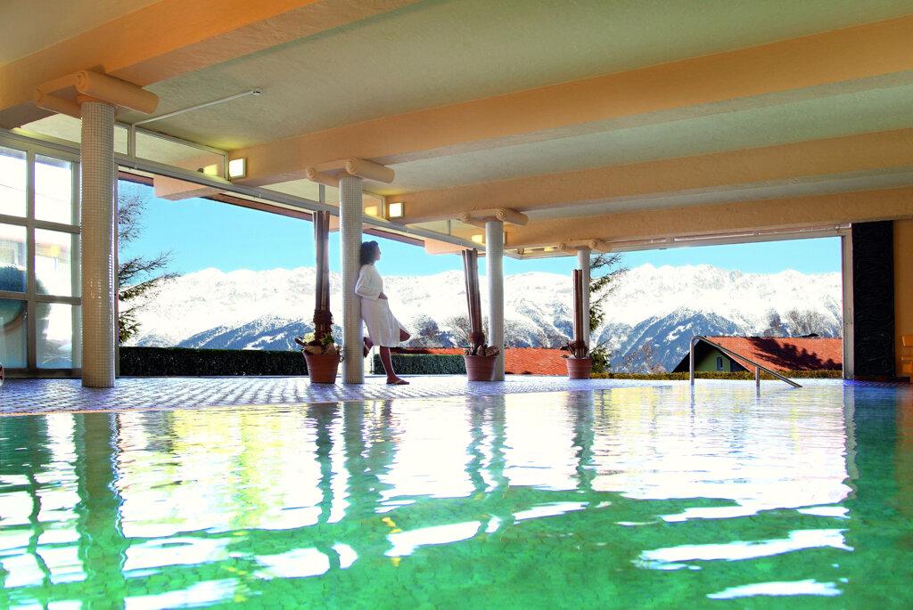 Sporthotel Igls Pool Wellness Bergblick Schnee