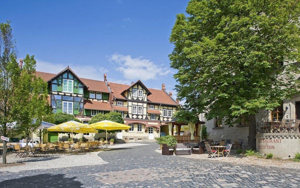 Resort Schloss Auerstedt Innenhof aussen Außenansicht