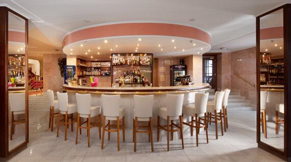 Lobby Bar Chateau Monty