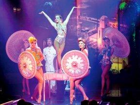 Emma Phillips + Ballett v. Saint Tropez für Burlesque - zugeschnitten