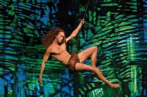 Tarzan schwingend 2 © Stage Entertainment