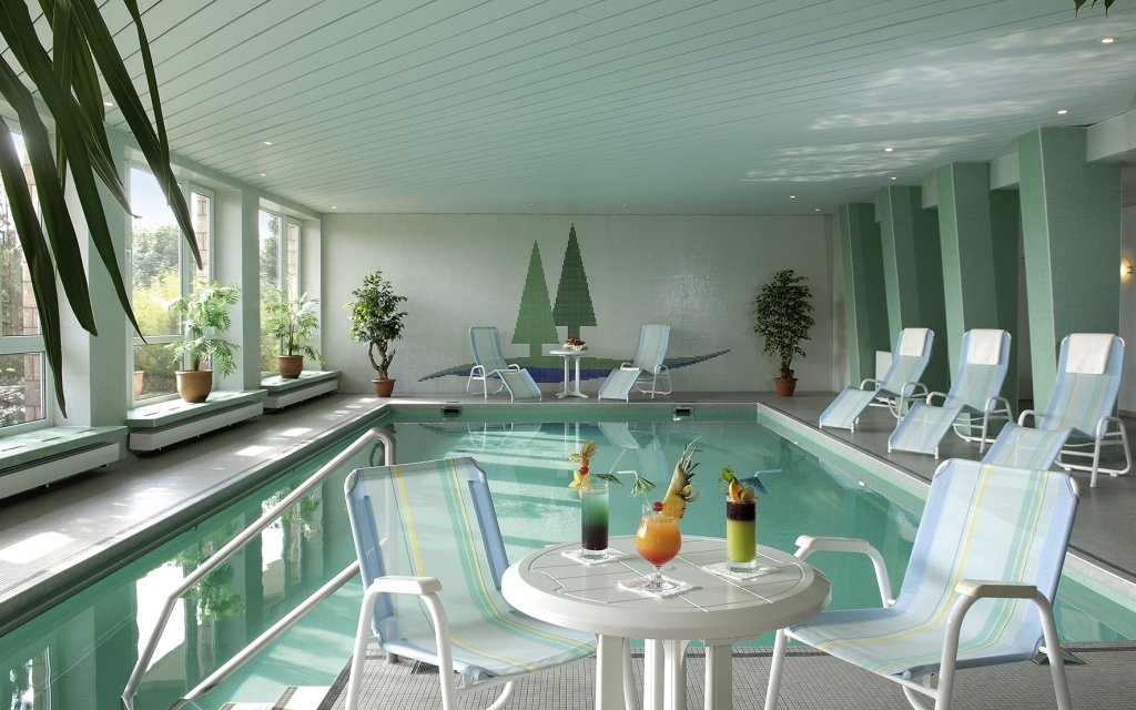 Masserberg Werrapark Resort Hotel Frankenblick Pool Hallenbad