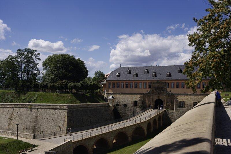 Zitadelle Petersberg Außenansicht