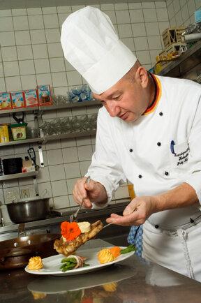 Holler beim Kochen