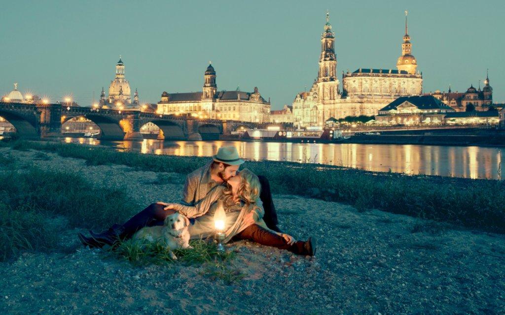 Paar an der Elbe Dresden