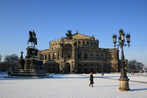 Dresden Semperoper Winter © Christoph Münch