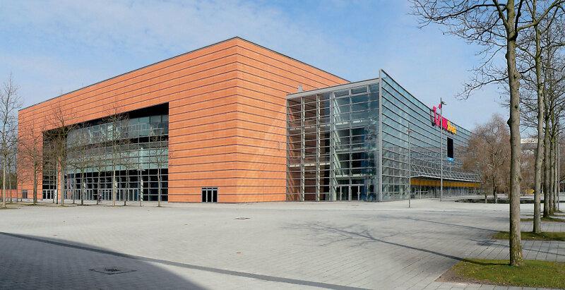 TUI Arena Außenaufnahme