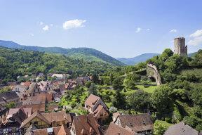 Kaysersberg mit blauem Himmel c Office de Tourisme