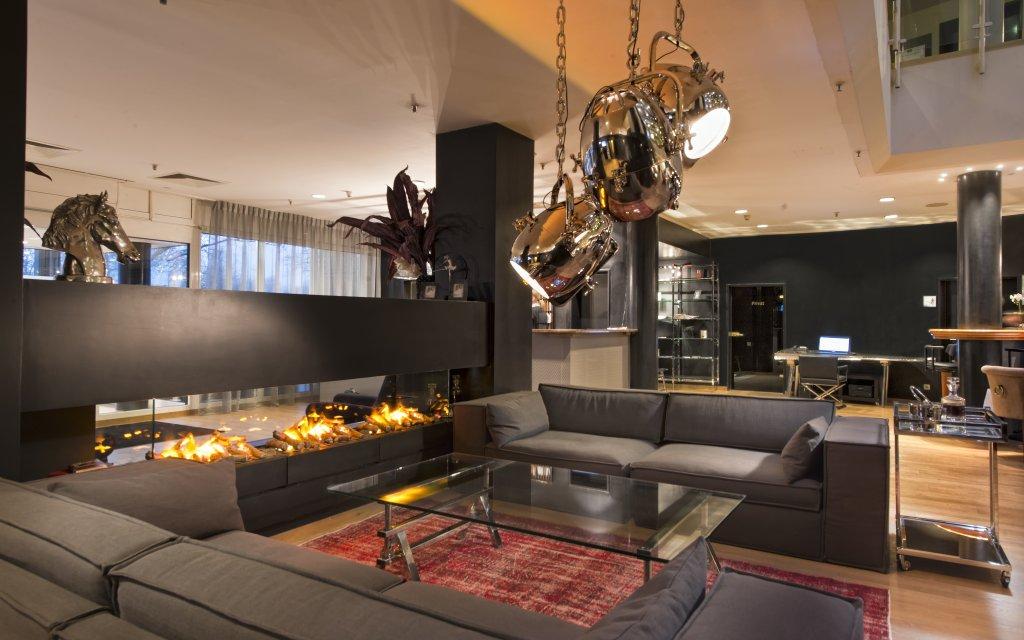 Wyndham Hannover Atrium Lobby Lounge