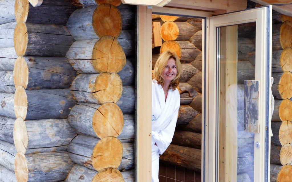 Frau in der Kelo-Sauna