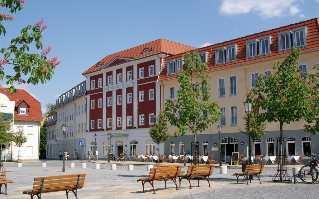 Bad Muskau Kulturhotel Fürst Pückler Park aussen Außenaufnahme