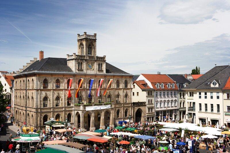 Rathaus und Marktplatz Weimar
