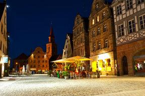 Grüner Markt nachts Fürth(c)TI-Fürth AndreasHub