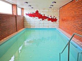 Schwimmbad c HotelJöckel