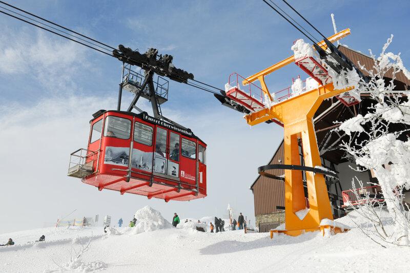 Oberwiesenthal Schwebebahn Winter Schnee