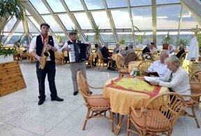 Dach Café - Live Musik1