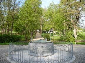 Luisenquelle-Kurpark c Gemeinde Bad Alexandersbad