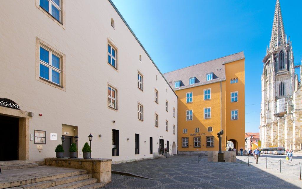 Achat Hotel Regensburg Herzog am Dom Außenansicht
