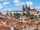 Unvergesslich: eine Pyramide neben Prags Burg