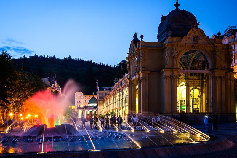 Singende Fontäne, bei Nacht - Marienbad