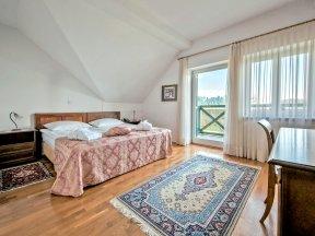 Zimmer 2 dbl balcony - Photo Nejc Pernek